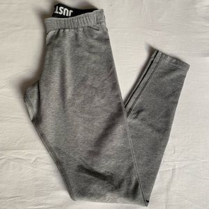 GREY NIKE LEGGINGS